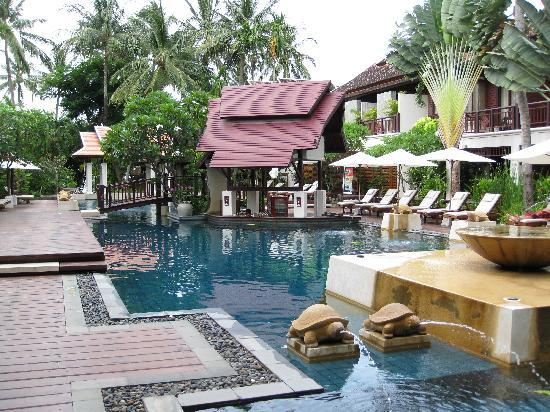 swim up bar garden pool picture of chaweng regent beach. Black Bedroom Furniture Sets. Home Design Ideas