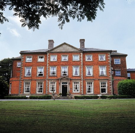 ‪Macdonald Ansty Hall‬