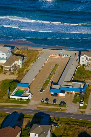 Dolphin Oceanfront Motel: Oceanfront view
