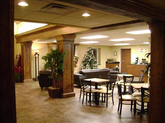 Super 8 Monterey: Beautiful and inviting lobby