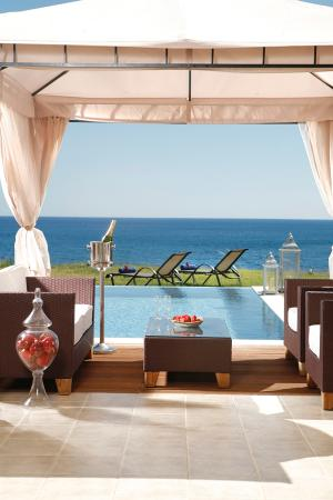 Al Mare Villas: Traditional Villa Pool
