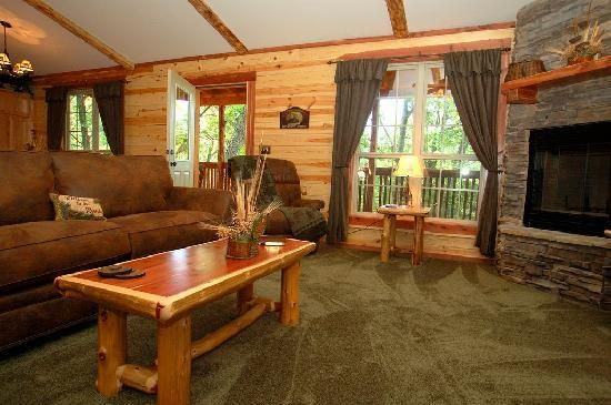 Lake Forest Luxury Log Cabins: Cozy &amp; Comfortable
