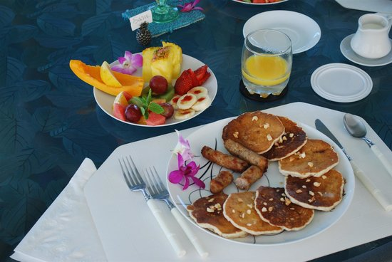 1st Class Bed and Breakfast Kona Hawaii: Breakfast
