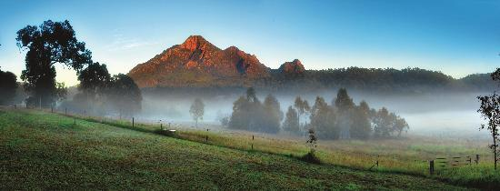 Mt Barney Lodge Country Retreat: Mt Barney - photo courtesy of Tourism Qld