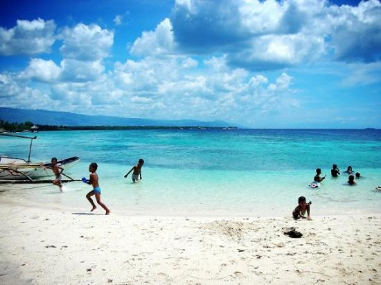 Moalboal Philippines  city photos gallery : Moalboal, Philippines public white beach Picture of Moalboal, Cebu ...