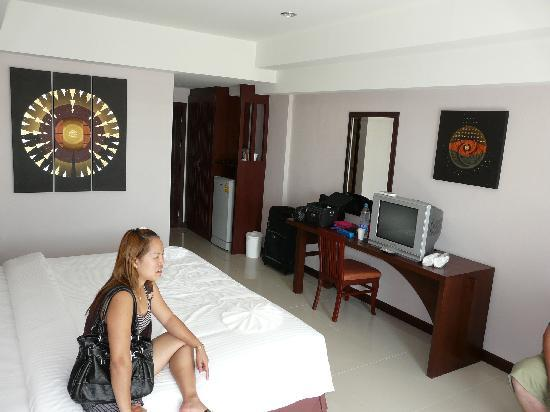 Golden Sea Pattaya Hotel: Our room