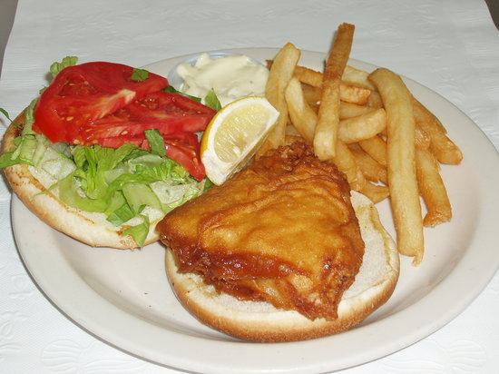 http://media-cdn.tripadvisor.com/media/photo-s/01/59/e2/63/fried-fresh-grouper-sandwich.jpg