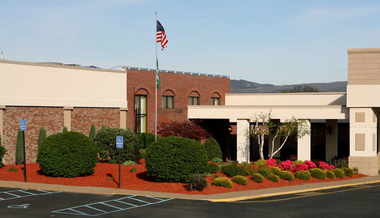 Holiday Inn Uniontown: Welcome to the Uniontown Holiday Inn and Conference Center