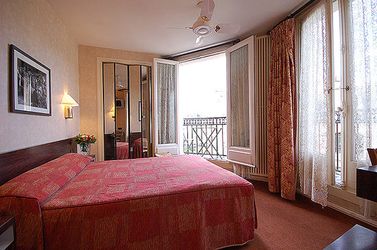 Hotel du College de France: double room balcony