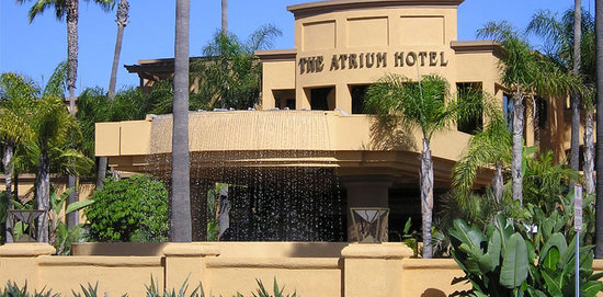 ‪Atrium Hotel at Orange County Airport‬