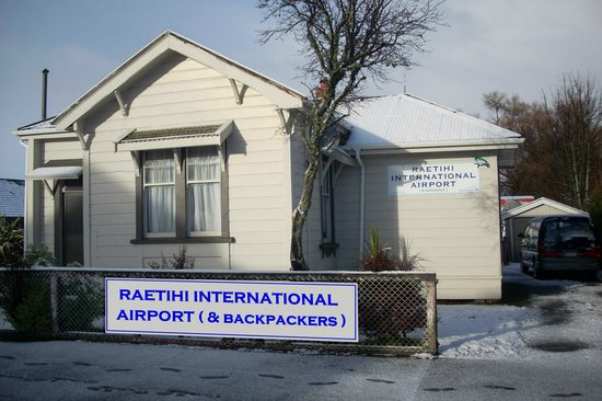 Raetihi International Airport* and Backpackers