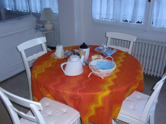 Villanuvola Bed &amp; Breakfast: Chambre d&#39;hte  Meina