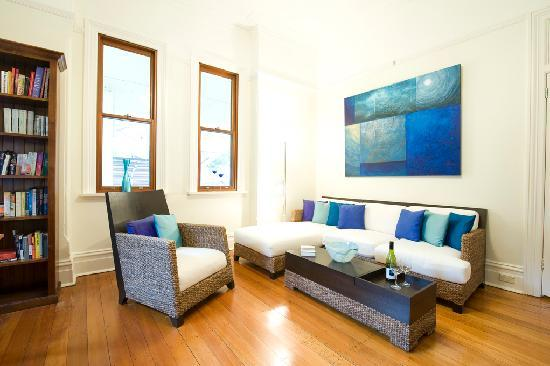 Manly BEach Bed and Breakfast Free internet and Office