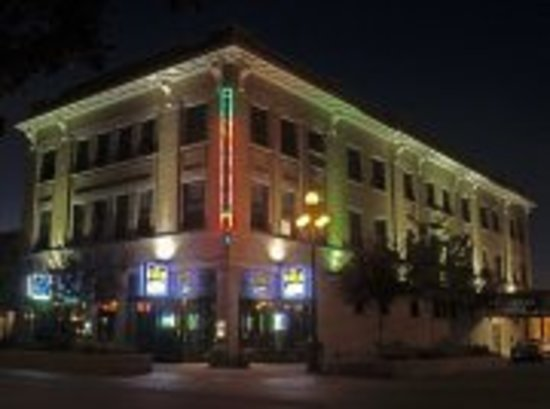 Carlin Hotel