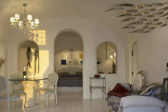Art Maisons Luxury Santorini Hotels: Aspaki & Oia Castle: aqua suite