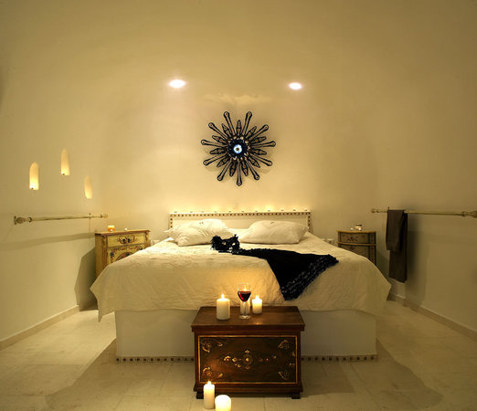 Art Maisons Luxury Santorini Hotels: Aspaki & Oia Castle: olympic bedroom