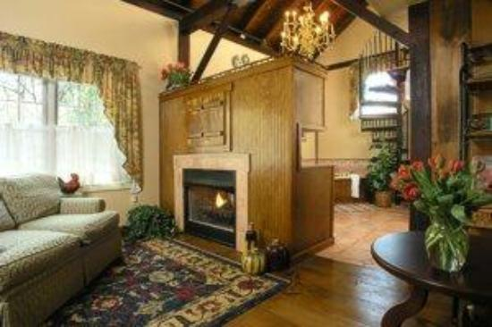 Chimney Hill Estate & Ol' Barn Inn: Luxury Barn Suite 3