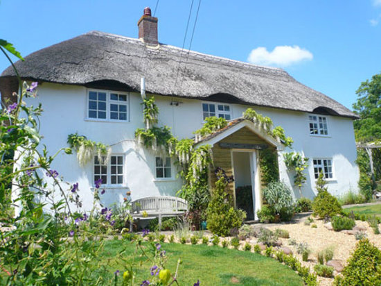 April Thatch B&B: April Thatch near Lulworth Cove