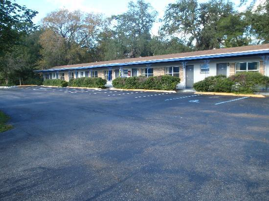 Suwannee Gables Motel and Marina: Suwannee Gables Motel &amp; Marina