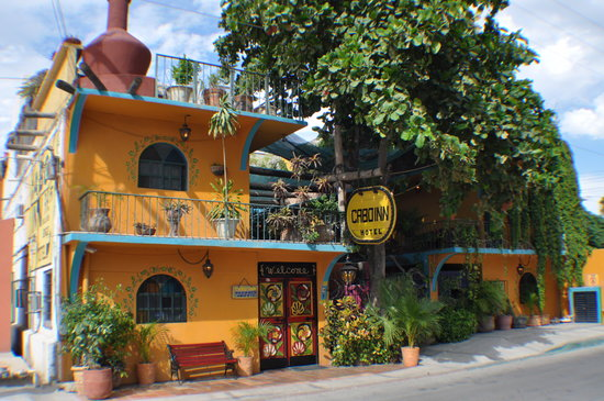 Cabo Inn Hotel: Hotel Front