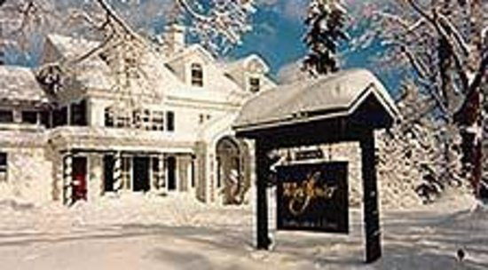 Windflower Inn: winter at the Windflower In