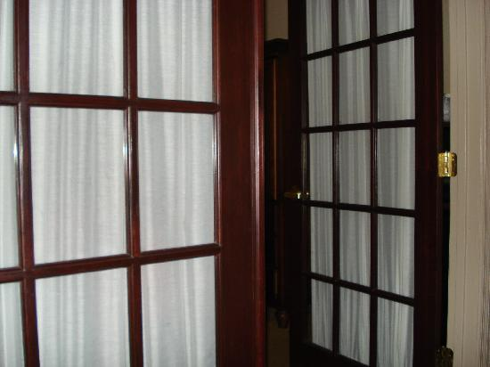 Quality Inn & Suites: French doors