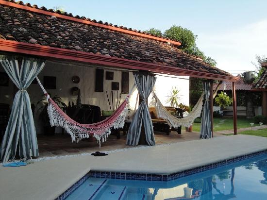 Villa Botero Bed and Breakfast: Hammocks in the Villa Botero