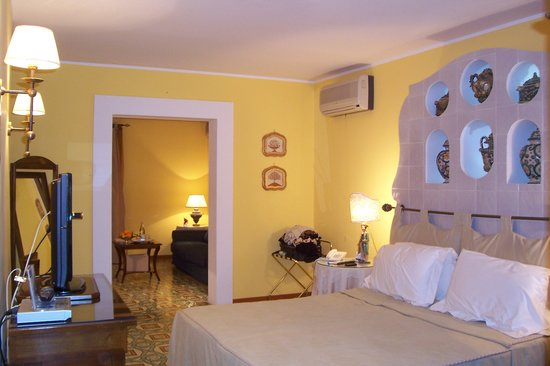 Hotel Villa Ducale: Lovely Suite Deluxe at Villa Ducale!