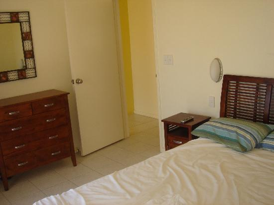 Glen Eden Beach Resort: bedroom