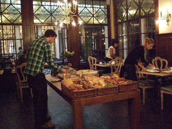 Grand Hotel Du Sablon: Breakfast buffet
