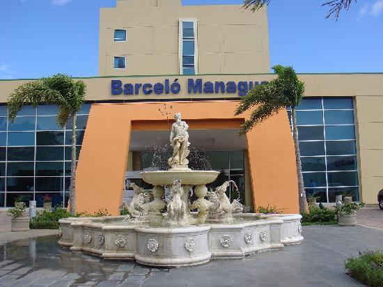 Electrical outlet picture of barcelo managua managua for Barcelo paris hotels