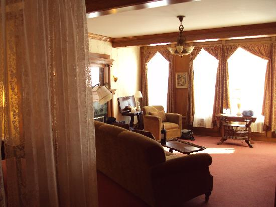 The Barbican Guest House: The Victoria Suite
