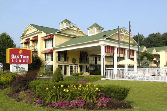 Photo of Oak Tree Lodge Sevierville