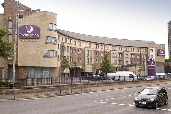 Premier Inn Glasgow City Centre South: Exterior of building