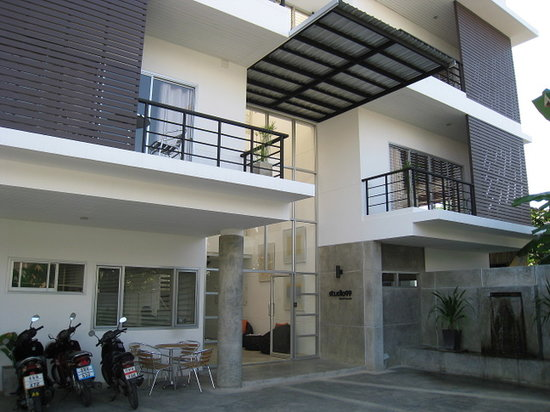 Studio 99 Serviced Apartments: Studio99 Exterior