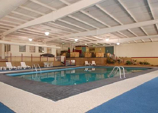 Comfort Inn Marietta: The amazing heated indoor pool