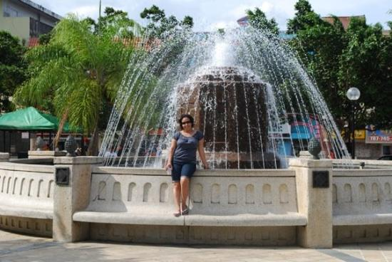 The fountain at Plaza de Caguas.