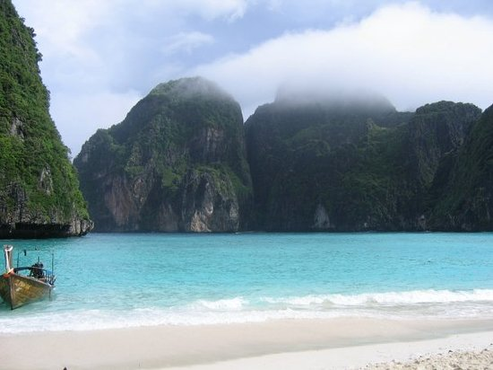 Phangnga, Thailand: Phi Phi Le Island - where the movie &quot;The Beach&quot; with Leonardo Caprio was filmed.