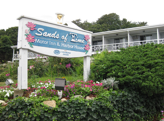 Sands Of Time Motor Inn & Harbor House