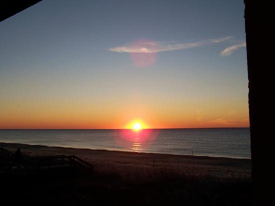 St. George Island, FL: sunrise from our room