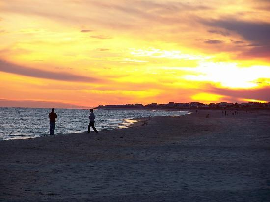 St. George Island, FL: sunset from the beach right in front