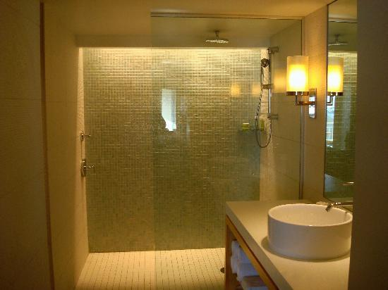 Gorgeous bathrooms picture of hyatt key west resort and for Gorgeous bathrooms