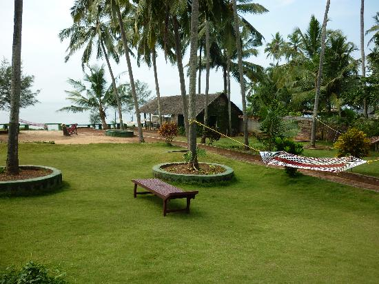 Varkala SeaShore Beach Resort: View from one of the garden cottages