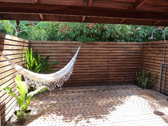 Cocos room private outdoor shower hammock picture of for Acqua salon boston