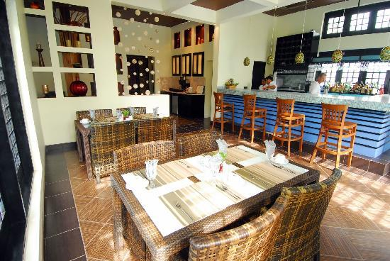 Las Terrazas Resort: Interior of O Restaurant