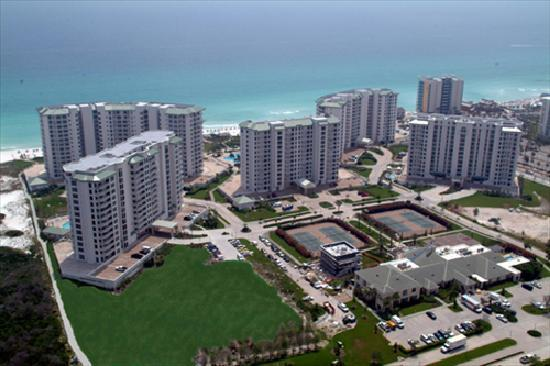 Silver Shells Beach Resort &amp; Spa: Aerial view of property.
