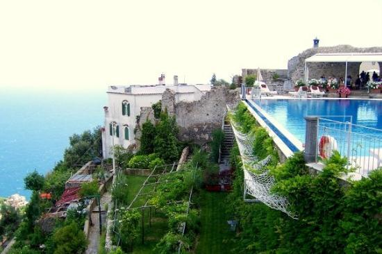301 moved permanently for Hotels in ravello with swimming pool