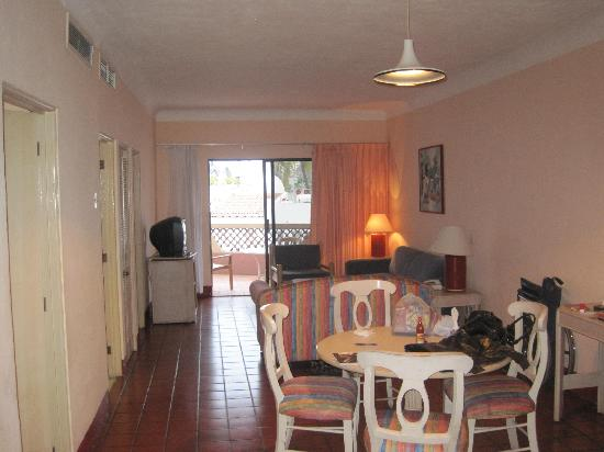 Villas Vallarta by Canto del Sol: Living area in 2 br condo