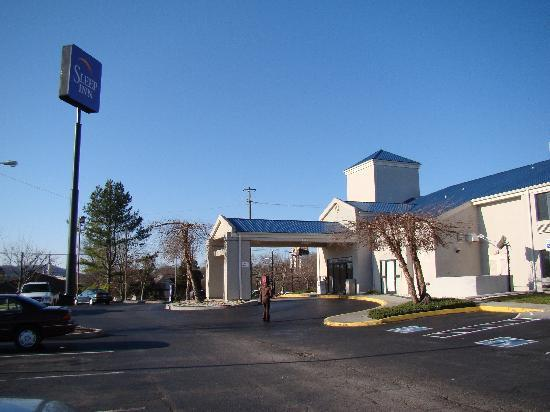 Sleep Inn North Knoxville: Exterior of hotel