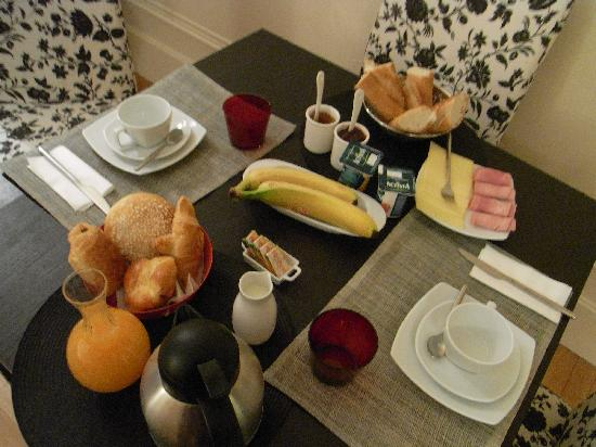 La Villa Paris: The most amazing breakfast!